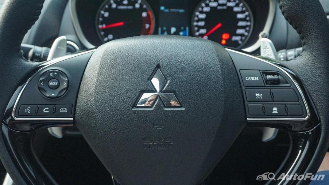Mitsubishi Eclipse Cross 1.5L Interior 008