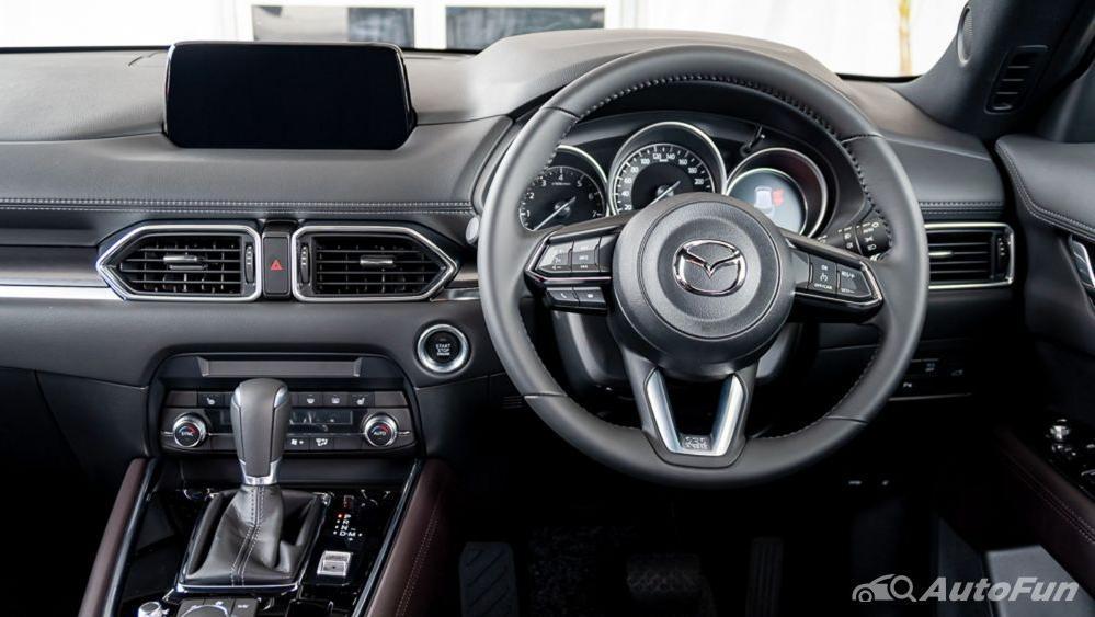 Mazda CX 8 2019 Interior 002