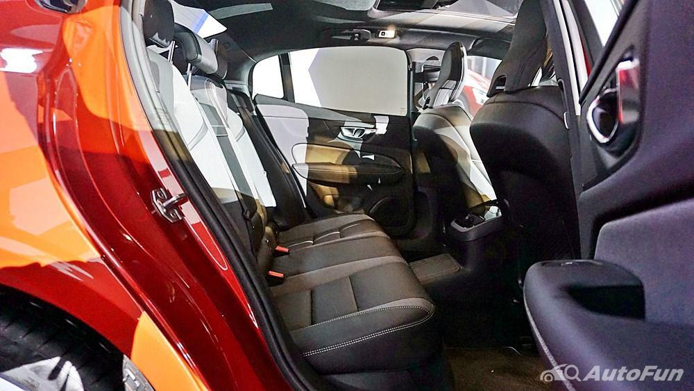 Volvo S60 2019 Interior 013