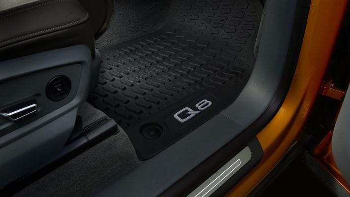 Audi Q8 2019 Interior 007