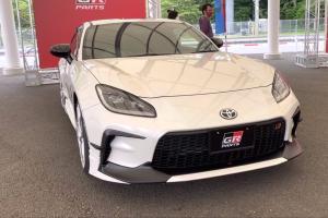 Toyota GR 86 Dengan Aksesoris Gazoo Racing, Tampil Makin Agresif!