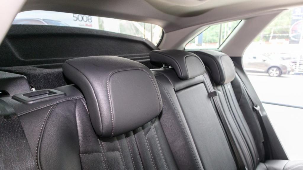 Peugeot 3008 2019 Interior 034