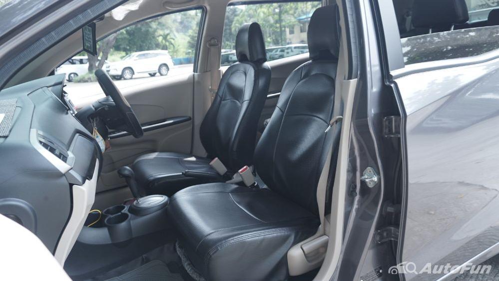 Honda Mobilio E CVT Interior 014