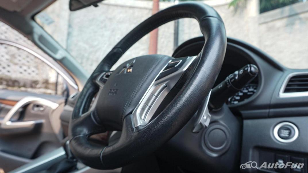 Mitsubishi Pajero Sport Dakar 4x4 AT Interior 009