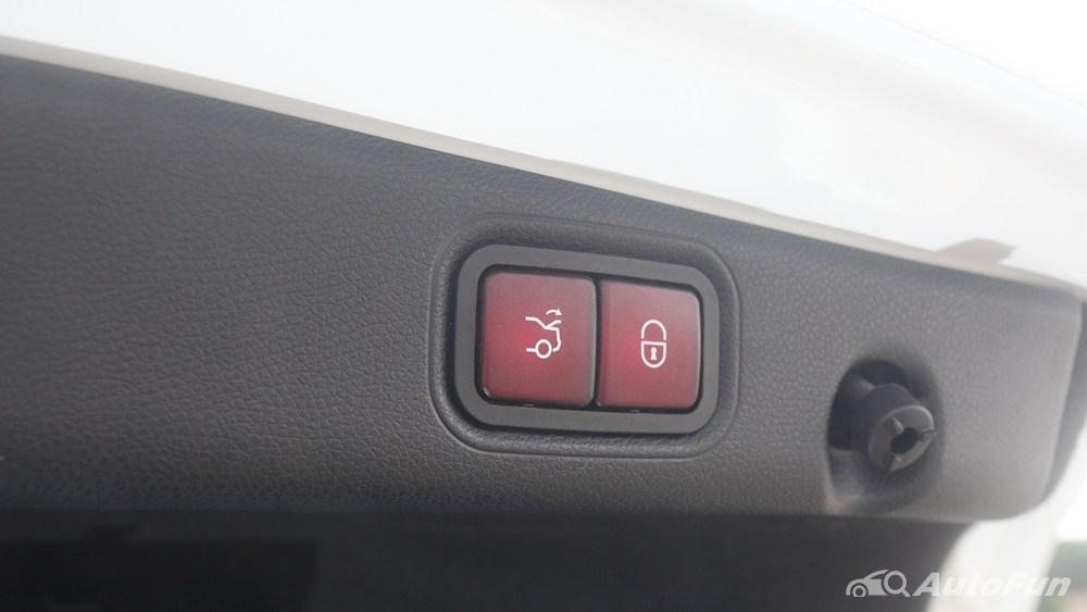 Mercedes-Benz E-Class 2019 Interior 122