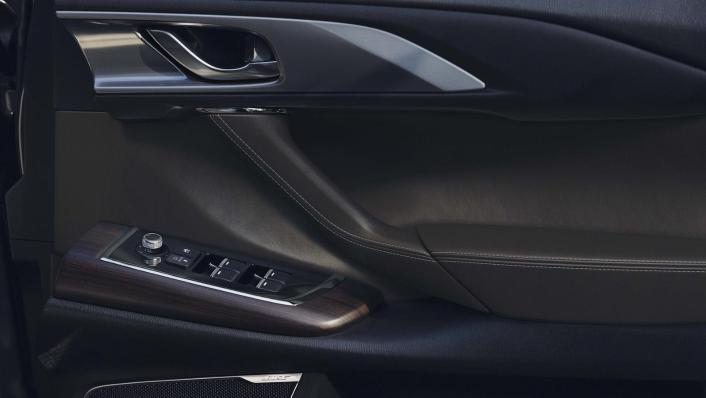 Mazda CX 9 2019 Interior 009