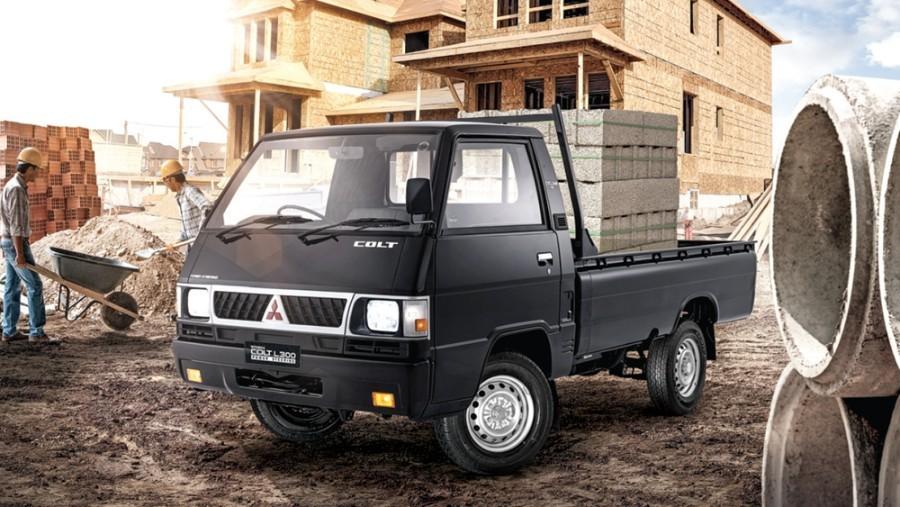 Overview Mobil: Mobil Mitsubishi L300 Pickup Flatbed dibanderol dengan harga mulai dari Rp195,000 - 194,000 01