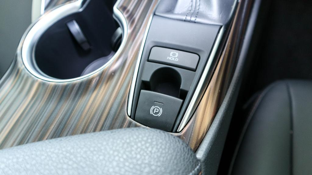 Toyota Camry 2019 Interior 019