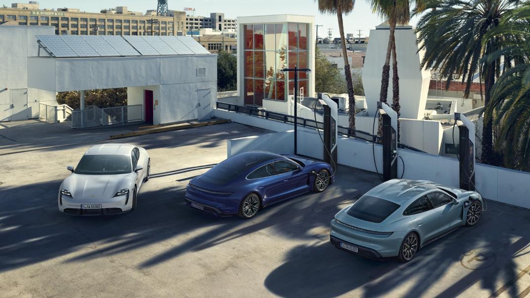 2021 Porsche Taycan Exterior 017