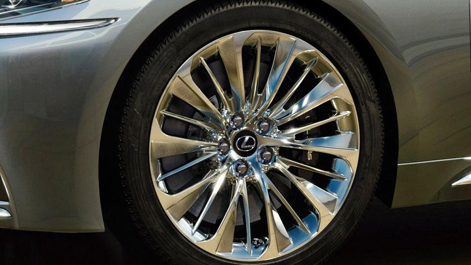 Lexus LS 2019 Exterior 014