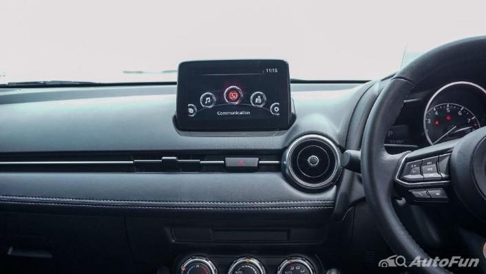 Mazda 2 GT AT Interior 006