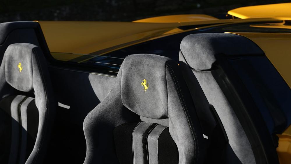 Ferrari 488 Pista Spider 2019 Interior 004