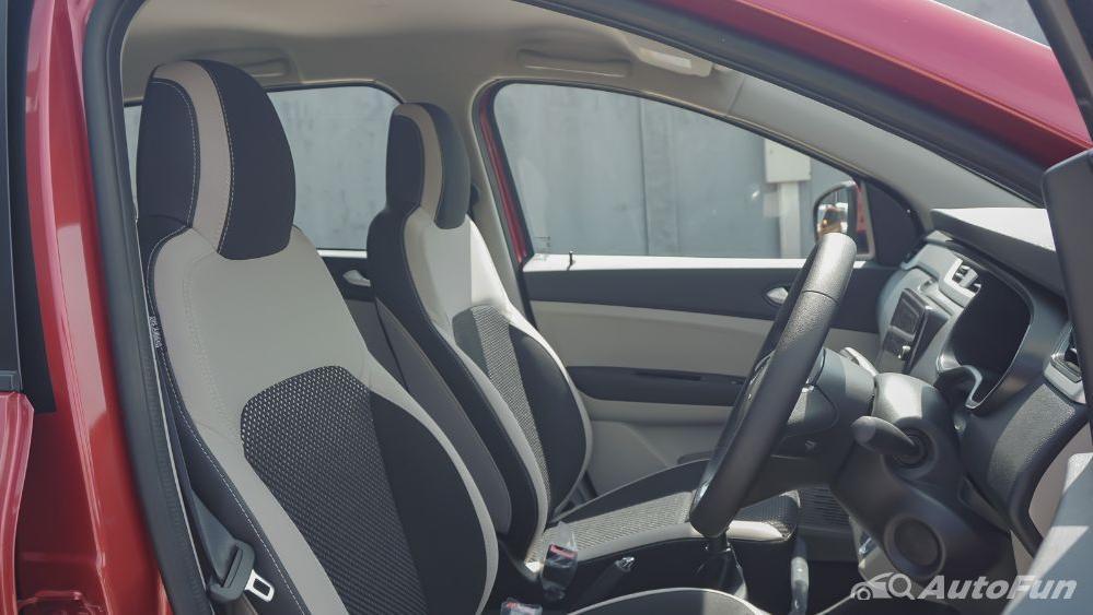 Renault Triber RXZ MT Interior 026