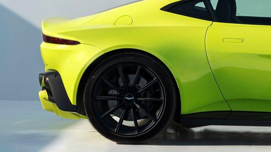 Aston Martin Vantage 2019 Exterior 009