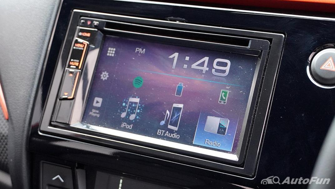 Honda Brio RS CVT Interior 012
