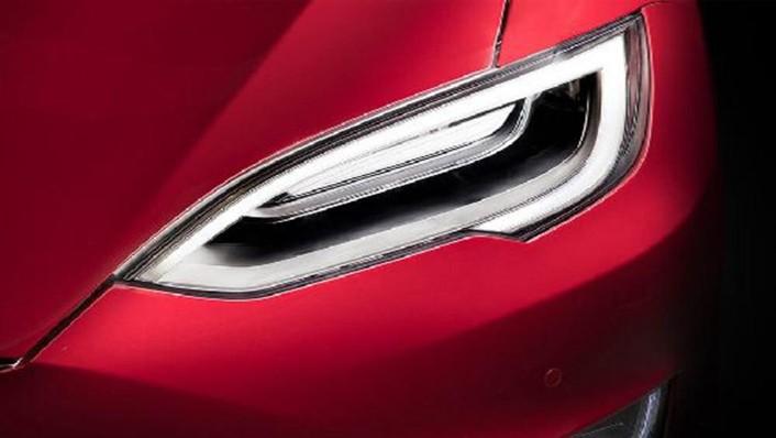 Tesla Model S 2019 Exterior 005
