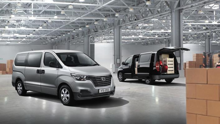 Hyundai Starex 2019 Exterior 001