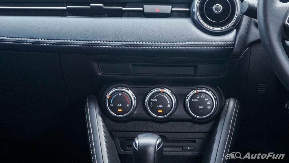 Mazda 2 GT AT Interior 039