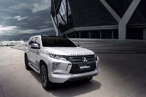 Harga Beda Tipis, Pilih Mitsubishi Pajero Sport atau Nissan Terra?
