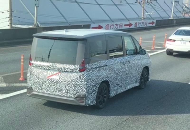 Toyota Voxy 2022 -1