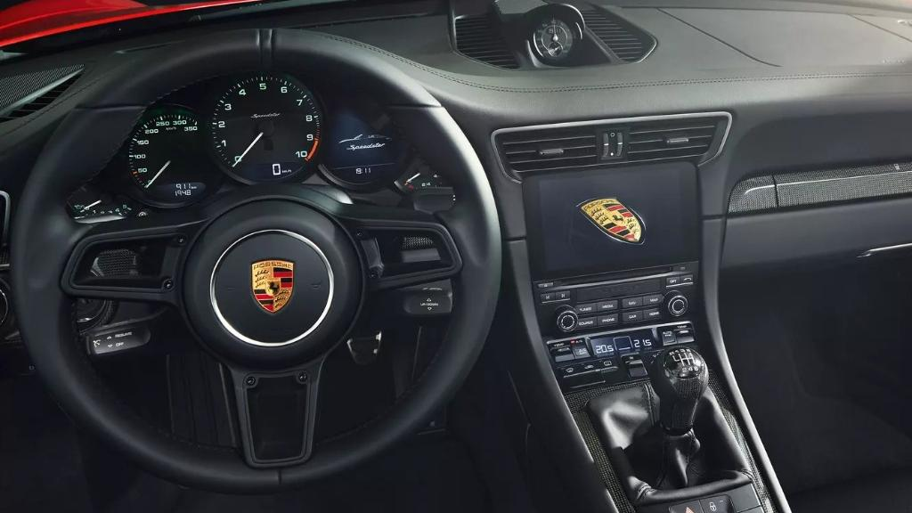 Porsche 911 2019 Interior 016