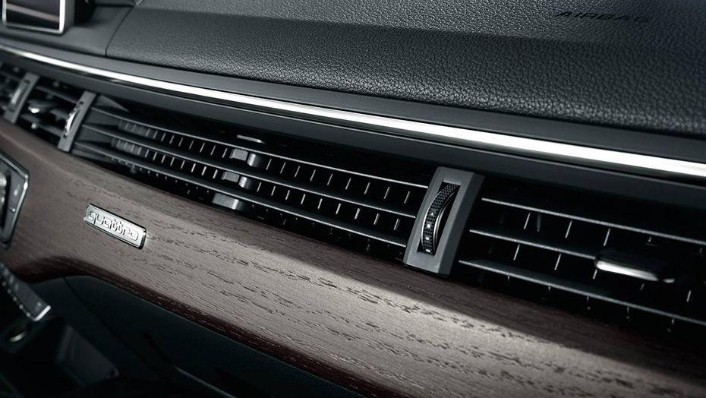 Audi A4 2019 Interior 008