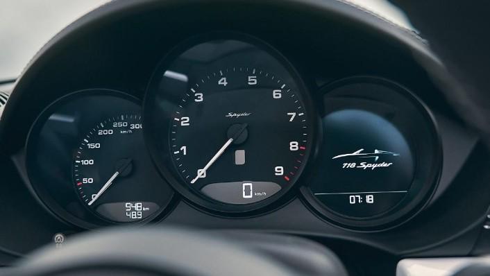 Porsche 718 2019 Interior 005