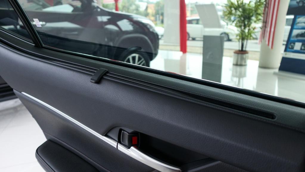 Toyota Camry 2019 Interior 036
