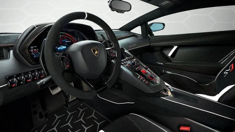 Lamborghini Aventador 2019 Interior 007