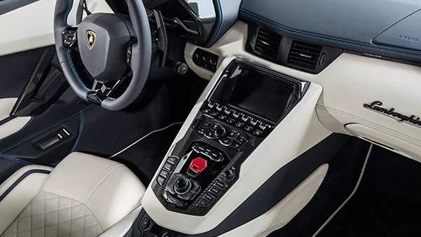 Lamborghini Aventador 2019 Interior 009