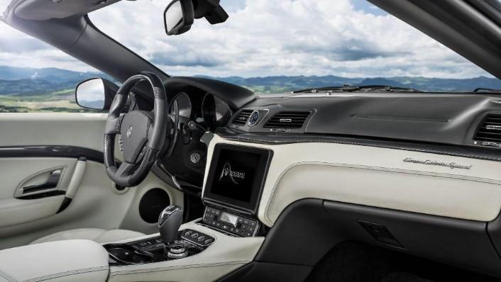 Maserati Grancabrio 2019 Interior 003