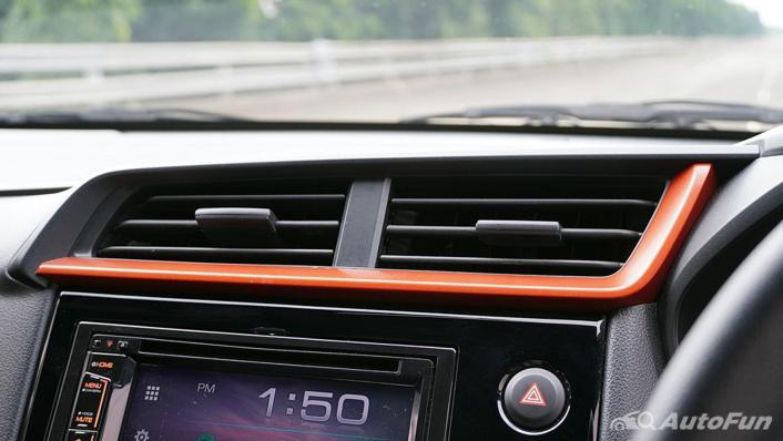 Honda Brio RS CVT Interior 010