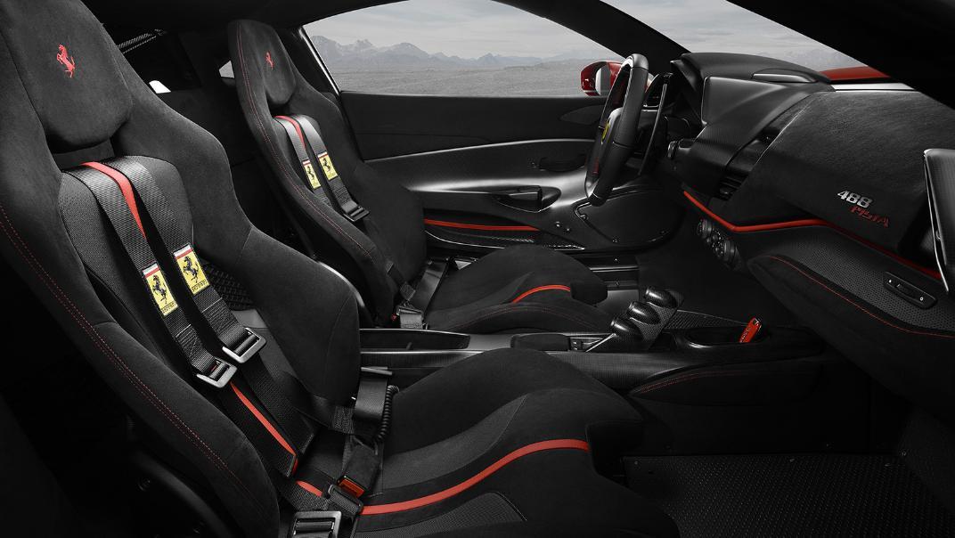 Ferrari 488 Pista 2019 Interior 001