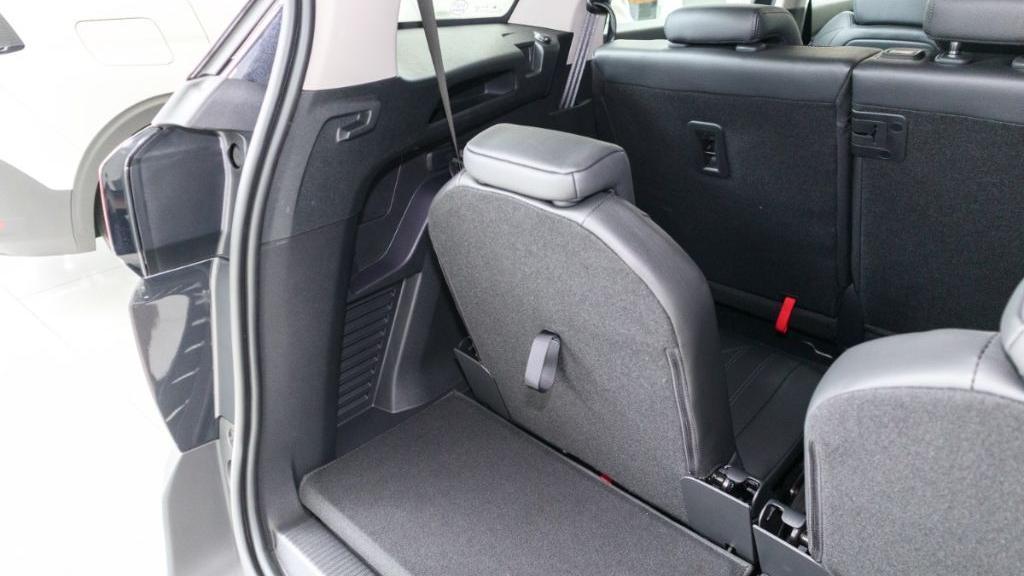 Peugeot 5008 2019 Interior 039