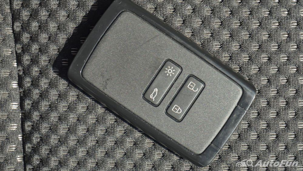 Renault Triber RXZ MT Others 004