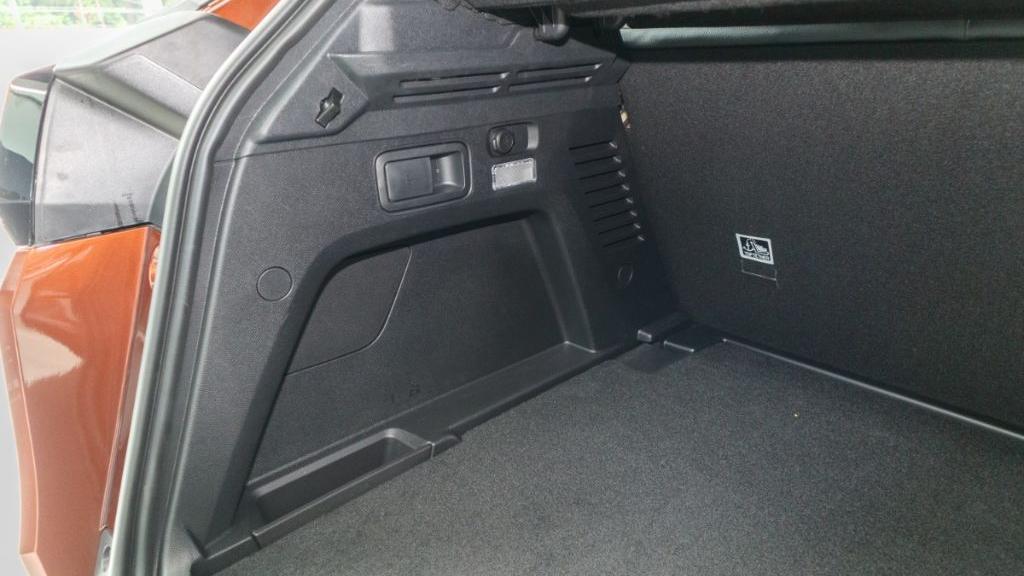 Peugeot 3008 2019 Interior 046