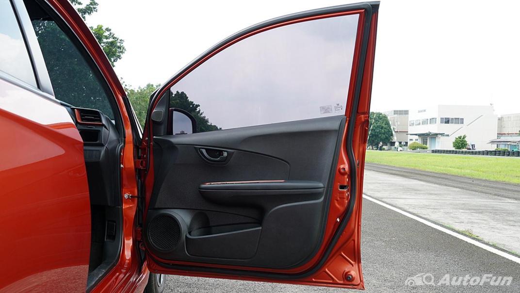 Honda Brio RS CVT Interior 019