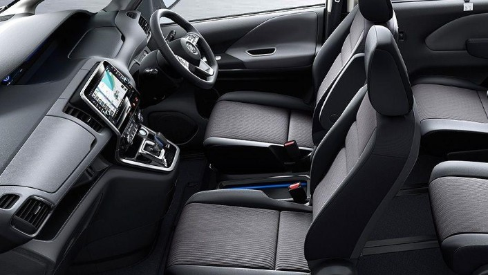 Nissan Serena 2019 Interior 005