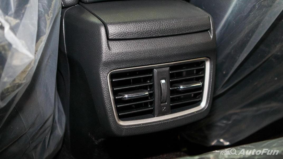 Honda Civic 2019 Interior 045