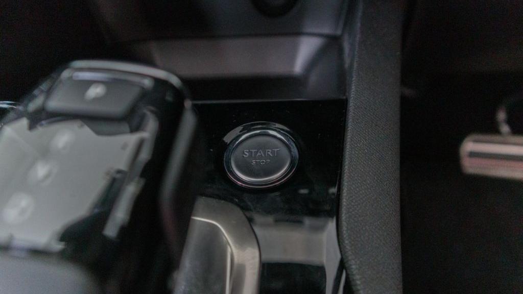 Peugeot 5008 2019 Interior 021