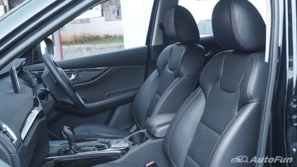 DFSK Glory 560 1.5L Turbo CVT L-Type Interior 028