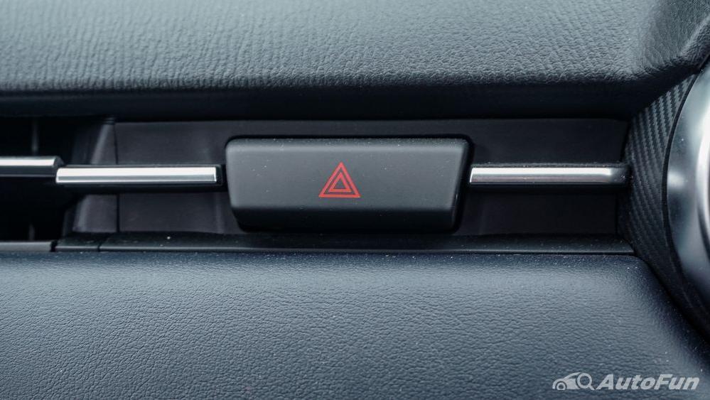 Mazda 2 GT AT Interior 048