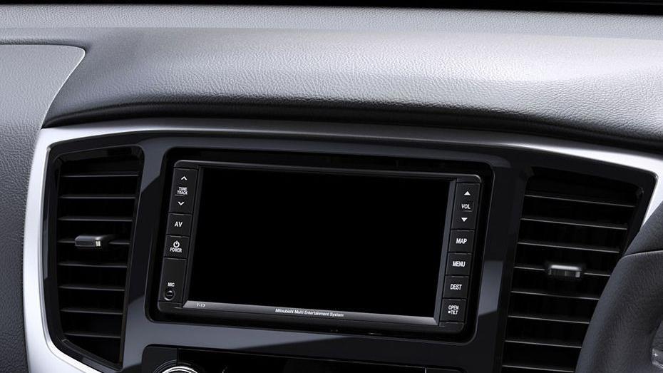 Mitsubishi Triton 2019 Interior 051
