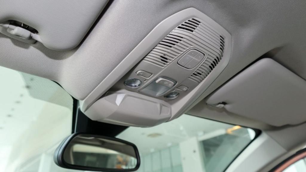 Peugeot 3008 2019 Interior 041