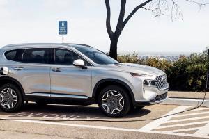 Hyundai Santa Fe PHEV Siap Gantikan Varian Bermesin Bensin dan Diesel, Tantang Mitsubishi Outlander PHEV