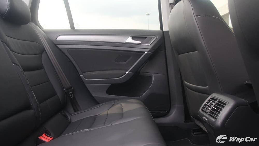 Volkswagen Golf 2019 Interior 036
