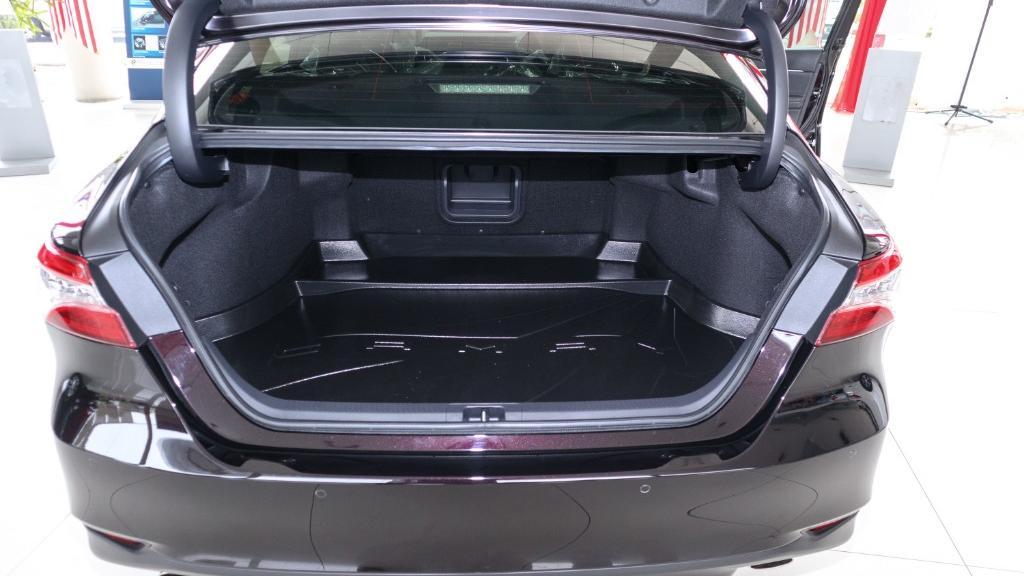 Toyota Camry 2019 Interior 038