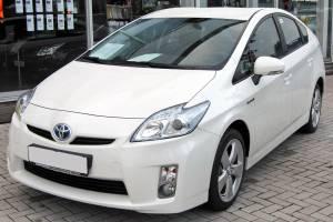 Toyota Prius Bekas Kini Harganya Sudah Setara Avanza, Alternatif Mobil Irit BBM Tapi Gak Pasaran