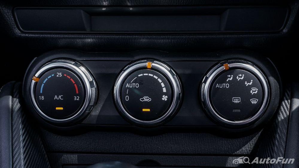 Mazda 2 GT AT Interior 021