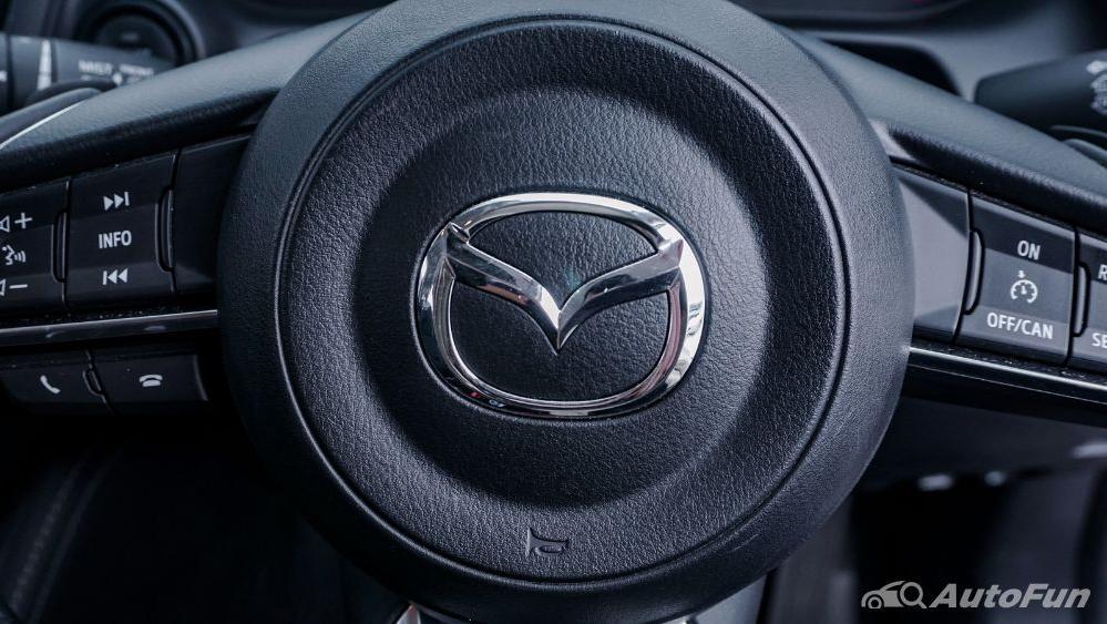 Mazda 2 GT AT Interior 009